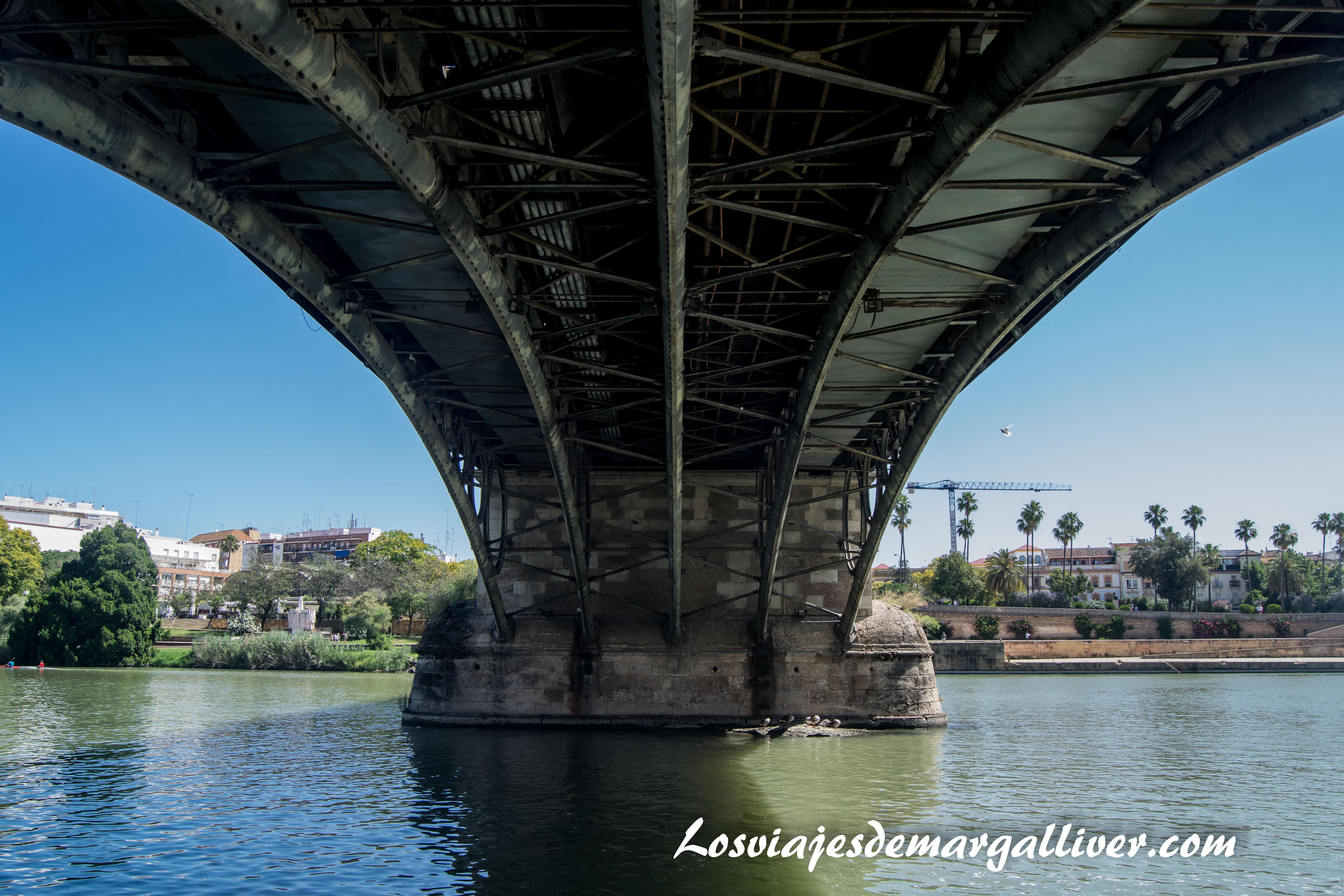 La Sevilla americana - Detalle del puente de Triana - Los viajes de Margalliver